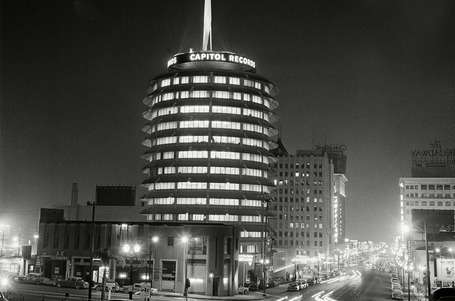 capitol-records-building-1958-billboard-1548