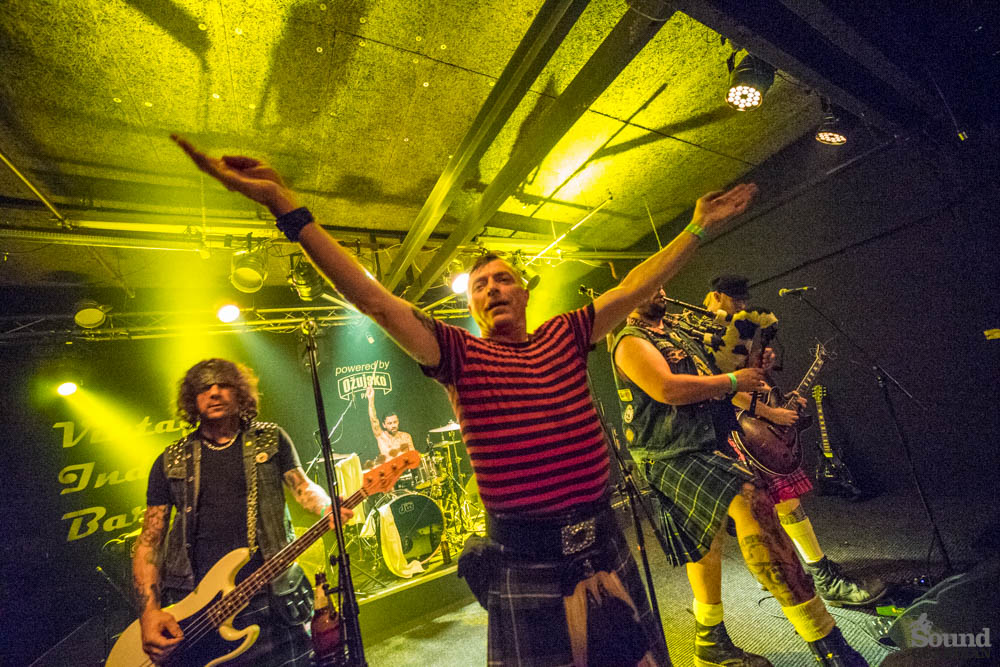 celtic-punk-pirati-the-real-mckenzies-nastupili-u-vintageu